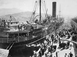 The 12th Battalion  (including Private Garnet Rundle) departing Hobart aboard HMAT Geelong, 20 October 1914. Image: Australian War Memorial